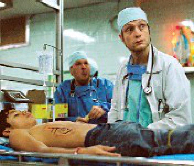 Ungeschönt präsentiert der Film den deprimierenden Alltag in Marcs Krankenhaus.