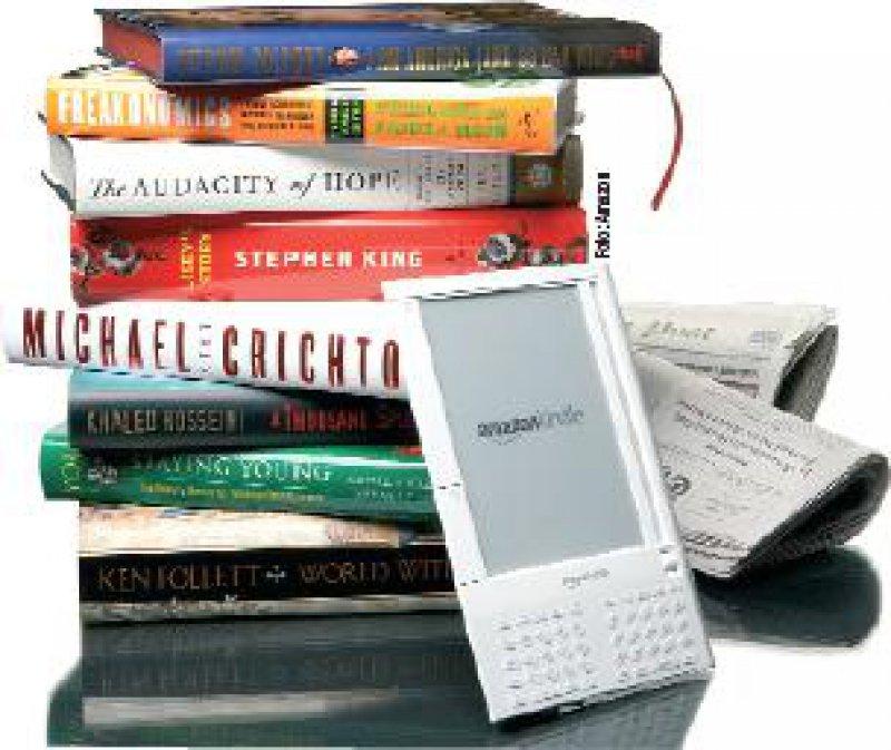 Vollständige Bibliotheken auf engstem Raum – E-Books machen's möglich. Foto: Amazon