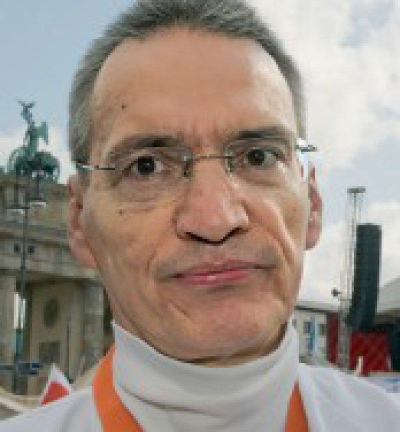 """""""Der Stellenabbau macht sich gravierend bemerkbar. Man kann seine Arbeit nicht mehr so machen, wie man es möchte und müsste."""" Robert Frank, Oberarzt, Bamberg"""