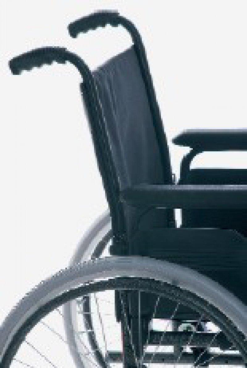 Weniger Einfluss auf die Wahl des Anbieters von Hilfsmitteln wie Rollstühlen haben künftig die Patienten. Foto: Fotolia