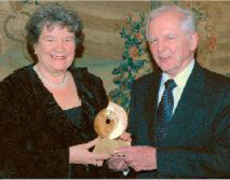 Dagmar Schipanski, Präsidentin der Deutschen Krebshilfe, und Harald zur Hausen Foto: Deutsche Krebshilfe