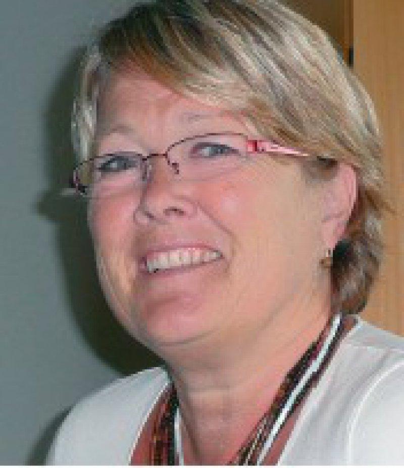 Kompromisse, die nicht immer optimal sind, gehören in Brüssel nun mal zum Geschäft. Lisette Tiddens-Engwirda, Generalsekretärin des Ständigen Ausschusses der Europäischen Ärzte (CPME)