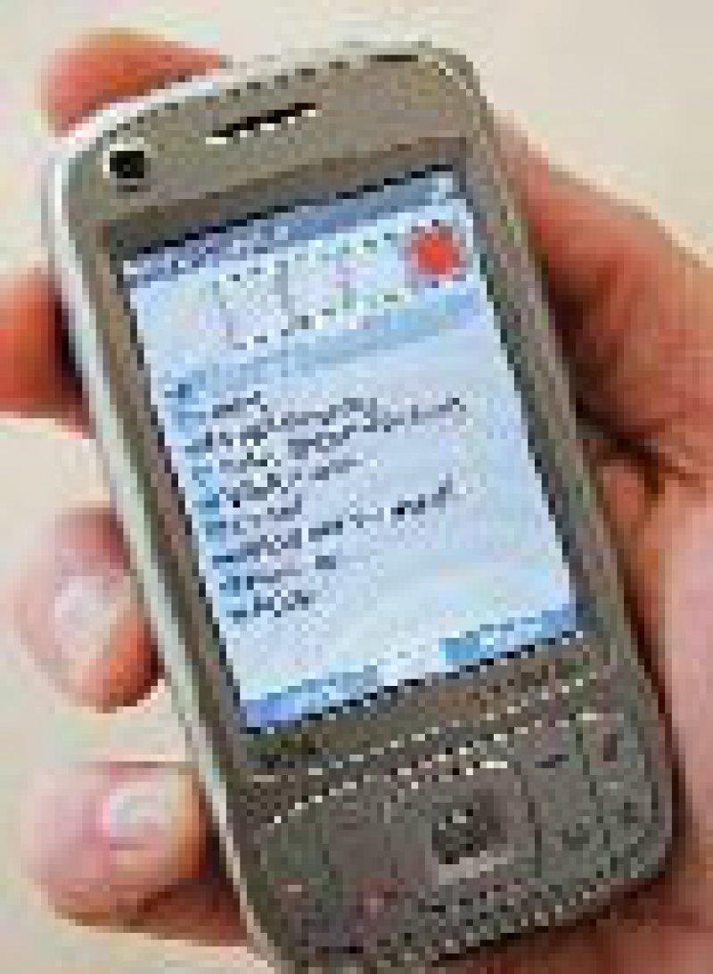 """Mit der Sicherheitssoftware """"MobileSitter"""" des Fraunhofer- SIT kann man seine Passwörter bequem und sicher auf dem Mobiltelefon oder PDA verwalten."""