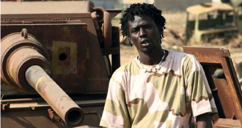 """""""War child"""" erzählt die Lebensgeschichte des afrikanischen Rap- Stars Emmanuel Jal, der seine traumatischen Kindheitserfahrungen im sudanesischen Bürgerkrieg in seinen Liedern verarbeitet Foto: Filmfestival Ausnahmezustand"""