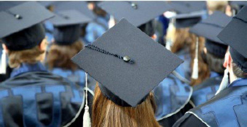Kein Bachelor- Master-System in der medizinischen Ausbildung – darin sind sich Deutschlands und Frankreichs Ärzteschaft einig. Foto: Caro
