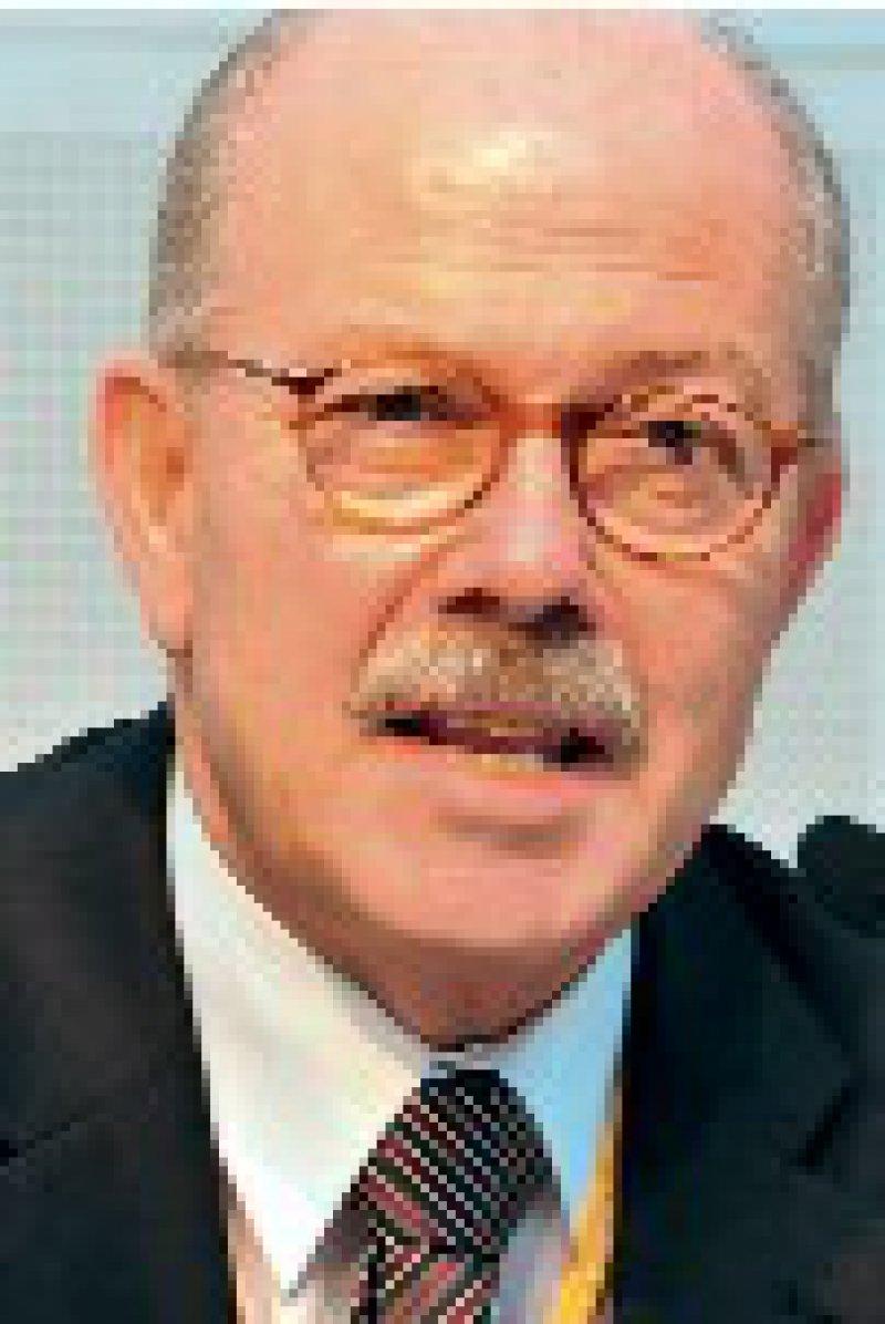 """""""Wir versuchen, einen mehrdimensionalen Zugang zum Patienten zu finden."""" Prof. Dr. med.Wolfgang Gaebel, Präsident der DGPPN"""