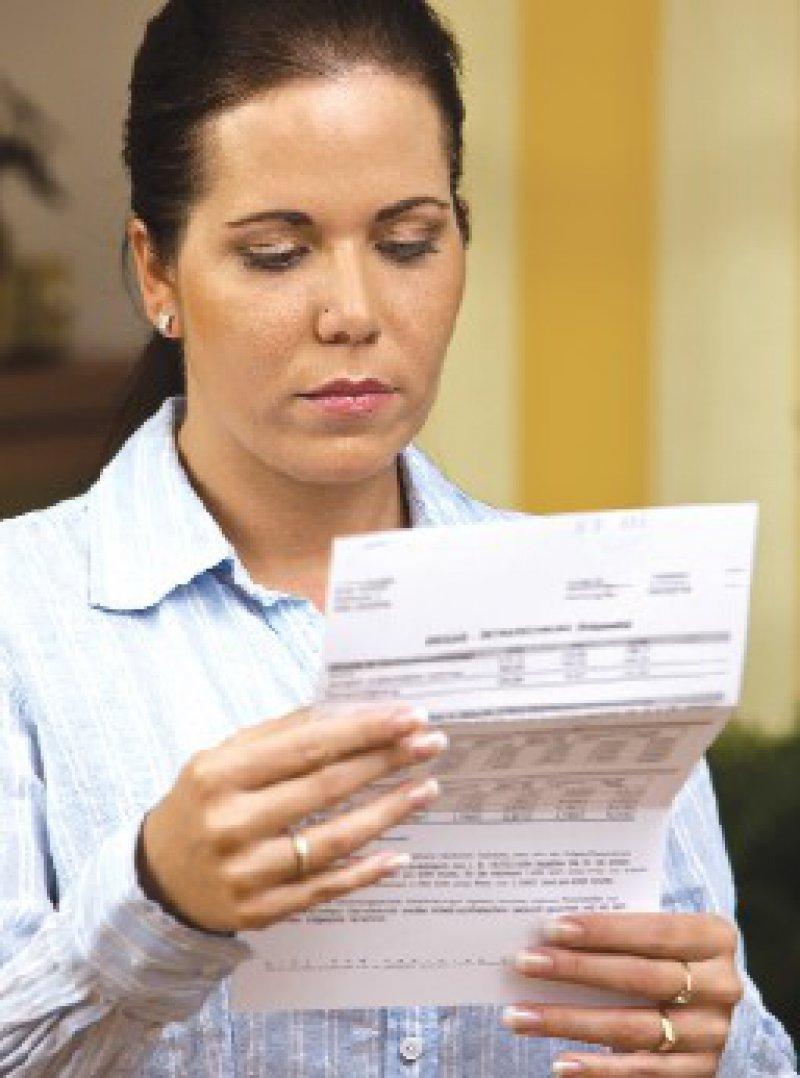 Aus Scham wechseln ehemals wohlhabende Patienten häufig den Arzt, wenn sie eine Arztrechnung nicht unmittelbar begleichen können. Foto: BilderBox