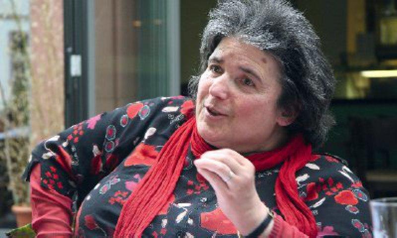 Marita Boos- Waidosch ist ehrenamtliche Behindertenbeauftragte der Stadt Mainz. Sie ist selbst seit ihrem zweiten Lebensjahr auf einen Rollstuhl angewiesen. Fotos: Eberhard Hahne