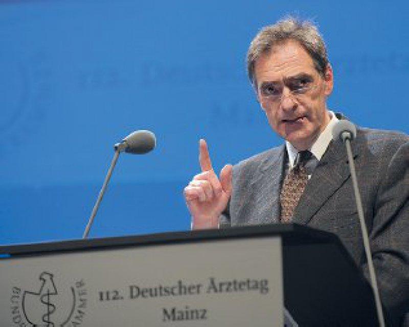 Eher langweilig seien die von ihm vorzutragenden Zahlen, warnte Franz Bernhard M. Ensink die Delegierten.Wenns um Haushaltsfragen geht, ist dies in der Regel eine gute Nachricht.