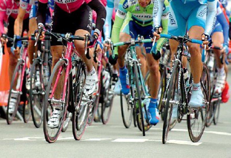 Der Abschlussbericht der Untersuchungskommission offenbart ein Ausmaß systematischen Dopings im Radsport seit den 90er-Jahren, wie es bislang für westdeutsche Ärzte nicht bekannt oder zumindest nicht aktenkundig war. Foto: picture-alliance/Rolf Kosecki