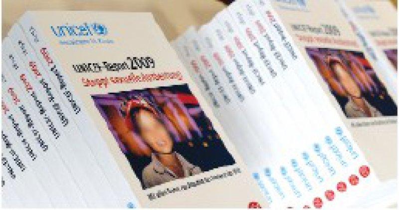 Massengeschäft im Internet: Der UNICEF-Report prangert eine Zunahme der Kinderpornografie an. Foto: dpa