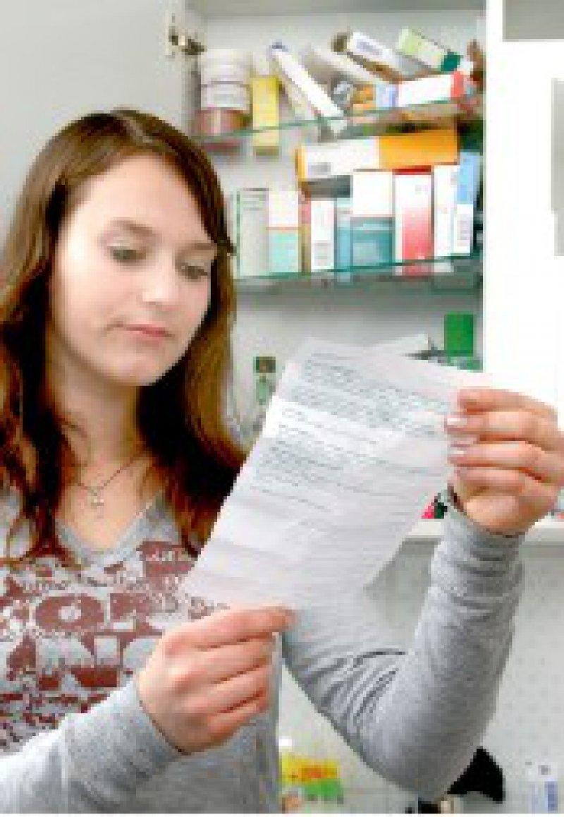 Patienteninformation: Der klassische Beipackzettel ist inzwischen für rund 1 000 Medikamente auch im Internet verfügbar. Foto: Bilderbox