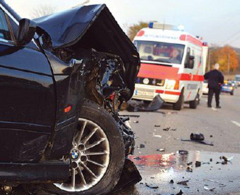 Täglich sterben zwölf Menschen auf Deutschlands Straßen. Die Zahl der Toten und Verletzten ist aber seit Jahren rückläufig. Foto: dpa