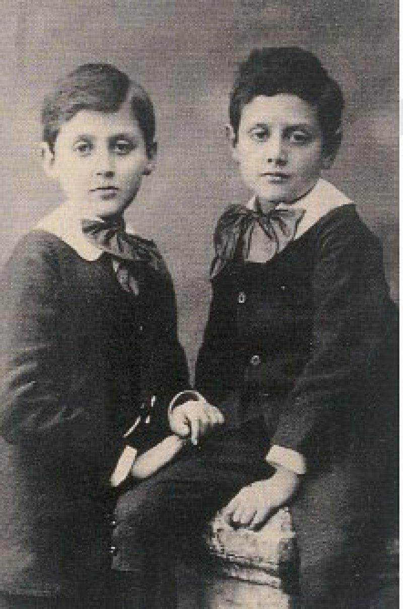 Marcel und sein Bruder Robert Proust, der als Urologe unter anderem durch ein Verfahren zur Prostatektomie bekannt wurde. Fotos: Bibliotheca Proustiana Reiner Speck und Snoek Verlagsgesellschaft Köln 2009