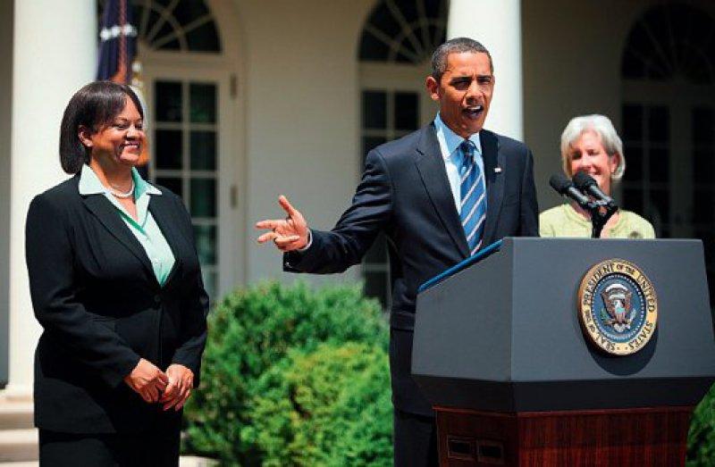 Energie und Zuversicht sind Eigenschaften, die Barack Obama bewogen haben, der Nation Regina Benjamin als neuen Surgeon General zu präsentieren. Foto: dpa