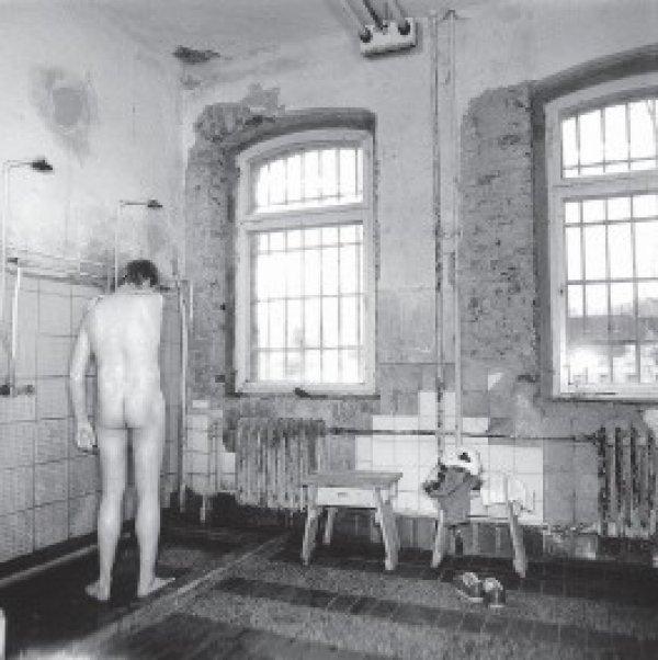 Der Bereich der vorbildlichen Sauberkeit endete an der Pforte zur Waldheimer Psychiatrie.