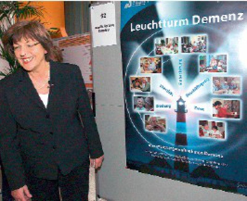 Will die Versorgung Demenzkranker verbessern: Gesundheitsministerin Ulla Schmidt bei der Vorstellung der Projekte in Berlin Foto: dpa