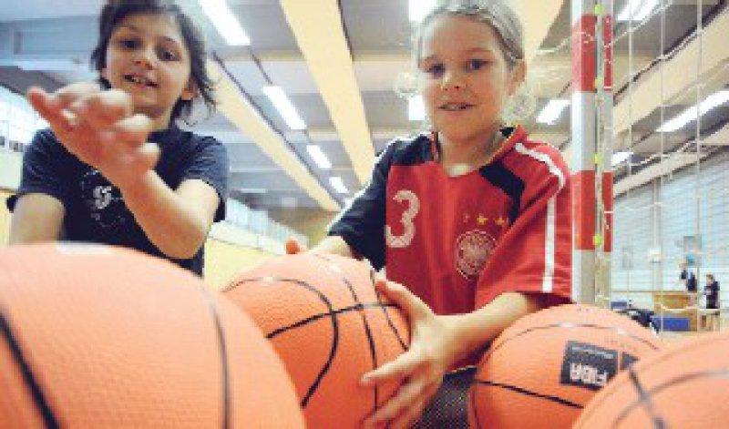Prävention durch Sport: Dieses Anliegen könnte in Grundschulen bald zu kurz kommen. Foto: ddp
