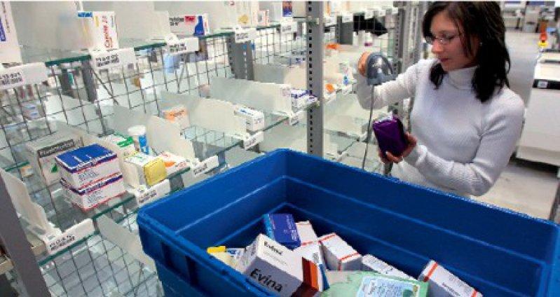 Möglicher Gefahren zum Trotz lässt sich jeder Vierte Medikamente gelegentlich bequem nach Hause schicken. Foto: dpa