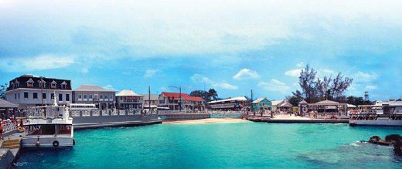 George Town: eher ein Ort des Geldausgebens als des Geldanlegens. Foto: mauritius images