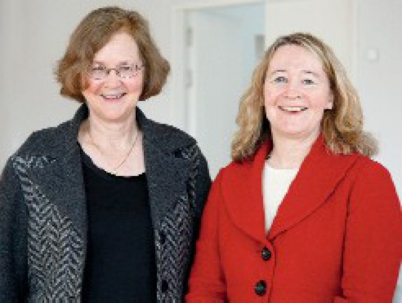 Ausgezeichnet mit dem Paul-Ehrlich-Ludwig-Darmstaedter- Preis: Elizabeth Blackburn und Carol Greider (von links) Foto: Dettmer, Paul-Ehrlich-Stiftung
