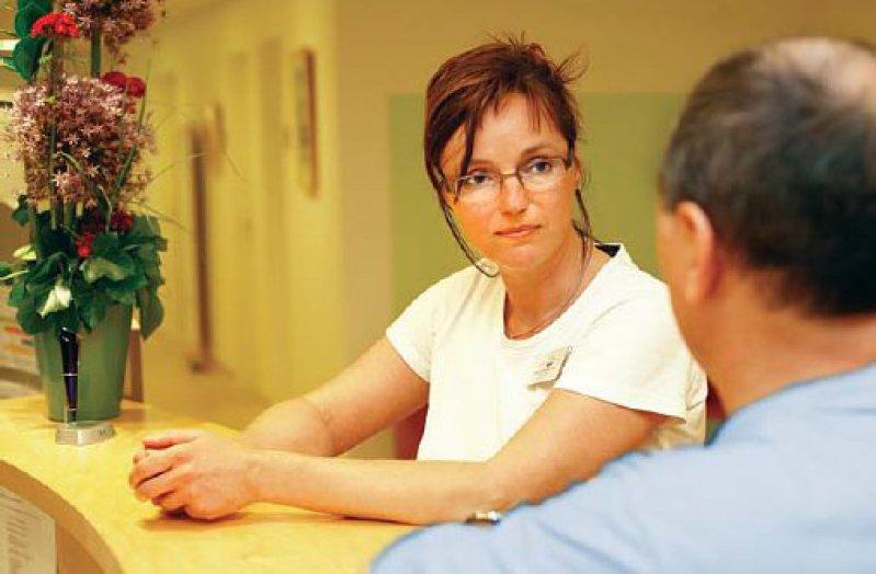 Ergebnisoffenes Zuhören – Innovationsdialoge lassen sich am ergiebigsten mit Patienten führen, zu denen ein Vertrauensverhältnis besteht. Foto: Eberhard Hahne