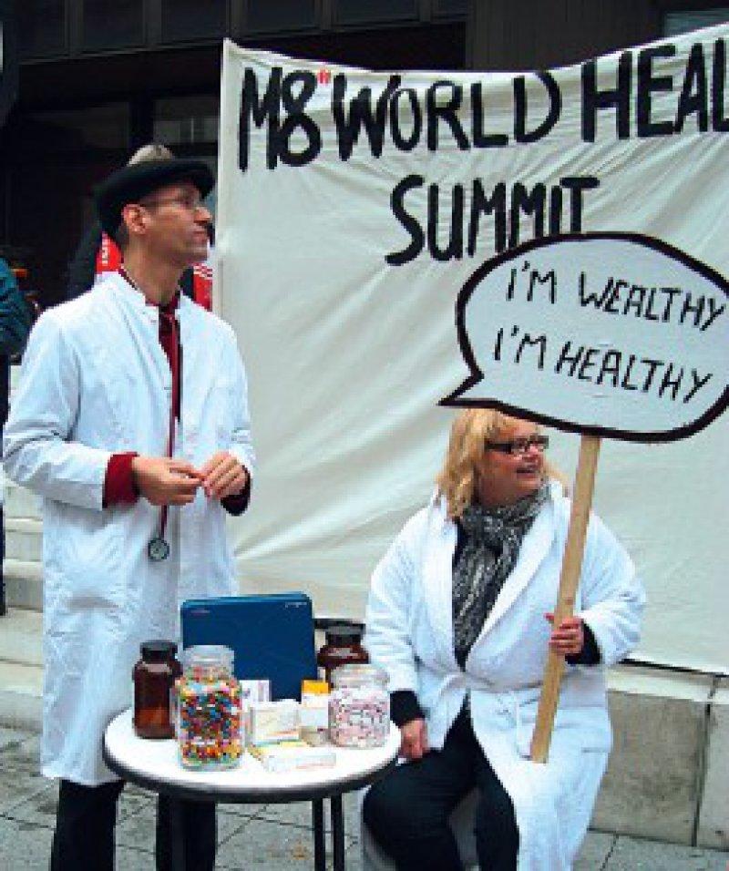 Gesundheit ist keine Ware: Die Gipfelgegner fordern den Zugang zur Gesundheitsversorgung für alle Menschen. Foto: Herbert Weisbrot-Frey, ver.di