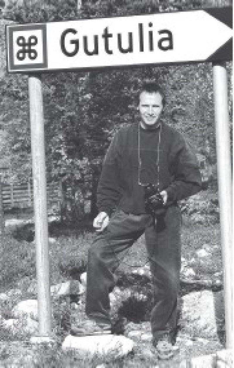 Auf dem Weg nach Gutulia – Cord Pape mit Kamera im Nationalpark an der schwedisch- norwegischen Grenze. Foto: privat