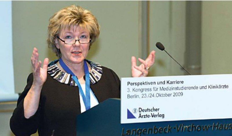 """""""Bessere Startbedingungen als heute können Sie kaum erwarten"""", sagte Dr. med. Cornelia Goesmann, Vizepräsidentin der Bundesärztekammer. Fotos:Svea Pietschmann"""