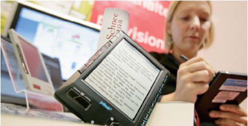 E-Books sind nach jahrelanger Einführungsphase endlich beim Verbraucher angekommen. Foto: Alexander Heimann