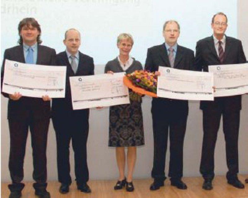 Oliver Weh, Mark S. Kuypers, Hildegard Schain, Udo Kratel und Philipp S. Lossin (von links) Foto: KVNO