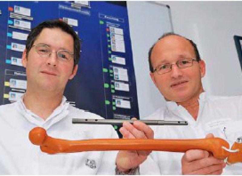 Ein Millimeter neuer Knochen pro Tag lässt sich mit dem intelligenten Implantat gewinnen. Foto: Schröder/UKJ