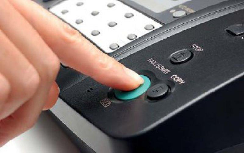 Der Kontaktaufnahme per E-Mail, Fax oder Telefon zu Werbezwecken müssen Patienten ausdrücklich zustimmen. Foto: Fotolia