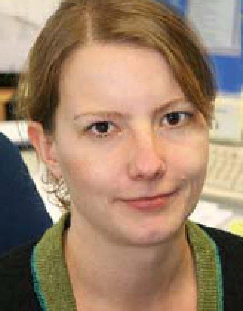 Dr. med. Birgit Hibbeler. Redakteurin für Gesundheits- und Sozialpolitik
