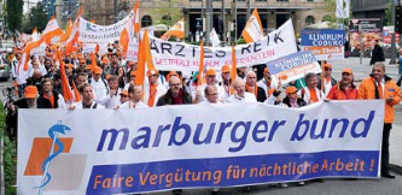 Demo in München: circa 4 000 Ärztinnen und Ärzte kamen zur Kundgebung am 17. Mai. Foto: dpa