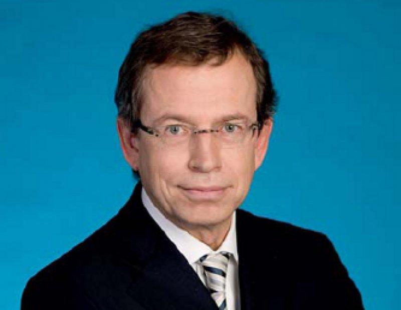 Gleiches Recht für alle forderte PKV-Verbandschef Volker Leienbach. Auch PKV-Versicherte sollten von den Sparmaßnahmen bei Arzneimitteln profitieren. Foto: PKV