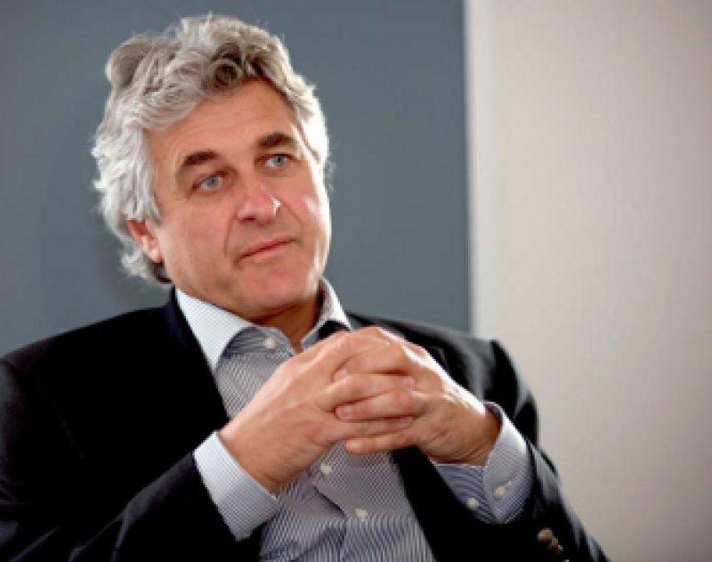 Peter T. Sawicki (53) ist Internist und Diabetologe. Bevor er 2004 die Leitung des Instituts für Qualität und Wirtschaftlichkeit im Gesundheitswesen (IQWiG) übernahm, war er Direktor der Abteilung für Innere Medizin am St.-Franziskus- Hospital in Köln. Fotos: Eberhard Hahne