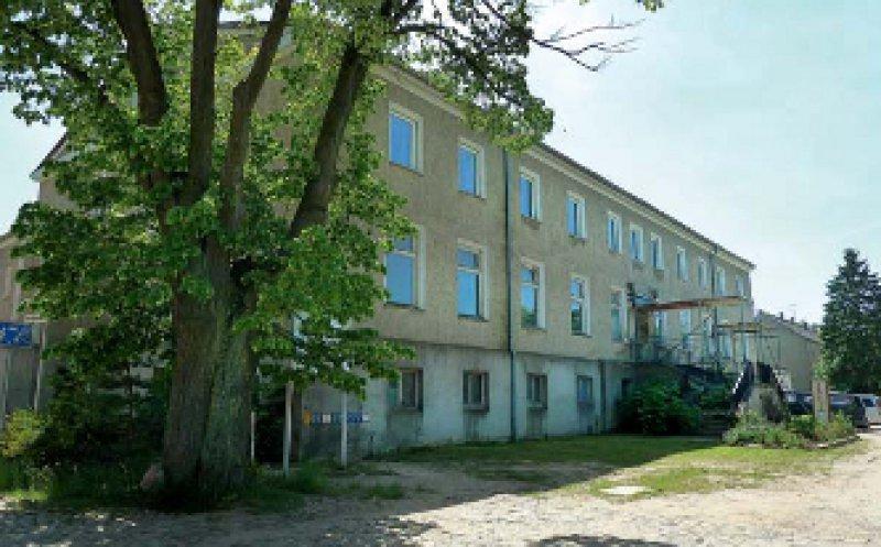 Der Gutshof von Alt Rehse: Hier soll nach umfassender Renovierung des Gebäudes ein Ort der Bildungsund Kulturarbeit entstehen. Foto: Ratschko