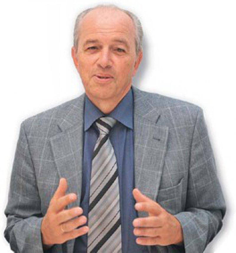 Zur Person: Joachim Hübner ist seit 40 Jahren für die Vitos GmbH beziehungsweise den Landeswohlfahrtsverband Hessen tätig. Zurzeit leitet er den Geschäftsbereich Unternehmensentwicklung, Maßregelvollzug und Qualitäts- und Baumanagement. Seit 2005 ist er Vorsitzender der Bundesarbeitsgemeinschaft Träger psychiatrischer Krankenhäuser. Foto: Vitos GmbH