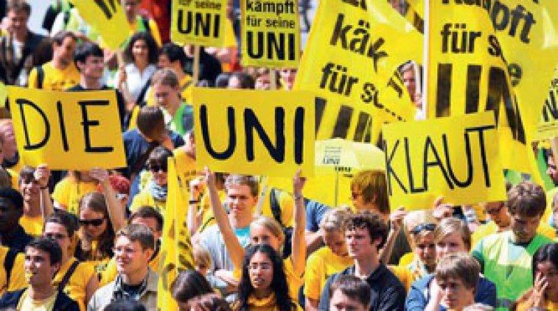 Der Protest hat sich gelohnt: In Lübeck kann man auch künftig Medizin studieren. Foto: dpa