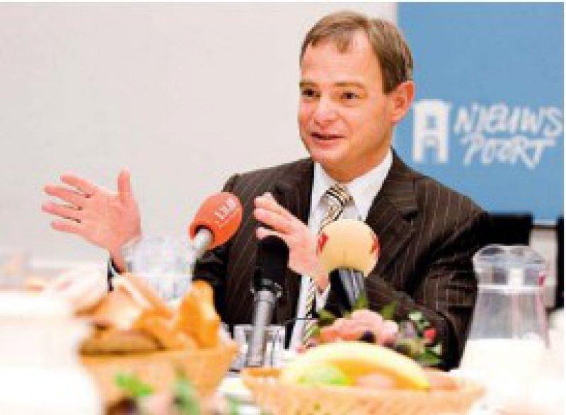 """""""Wadenbeißer"""": Der damalige Gesundheitsminister Hans Hoogervorst setzte 2005 die umfangreichste Gesundheitsreform in der Geschichte der Niederlande durch. Foto: ap"""
