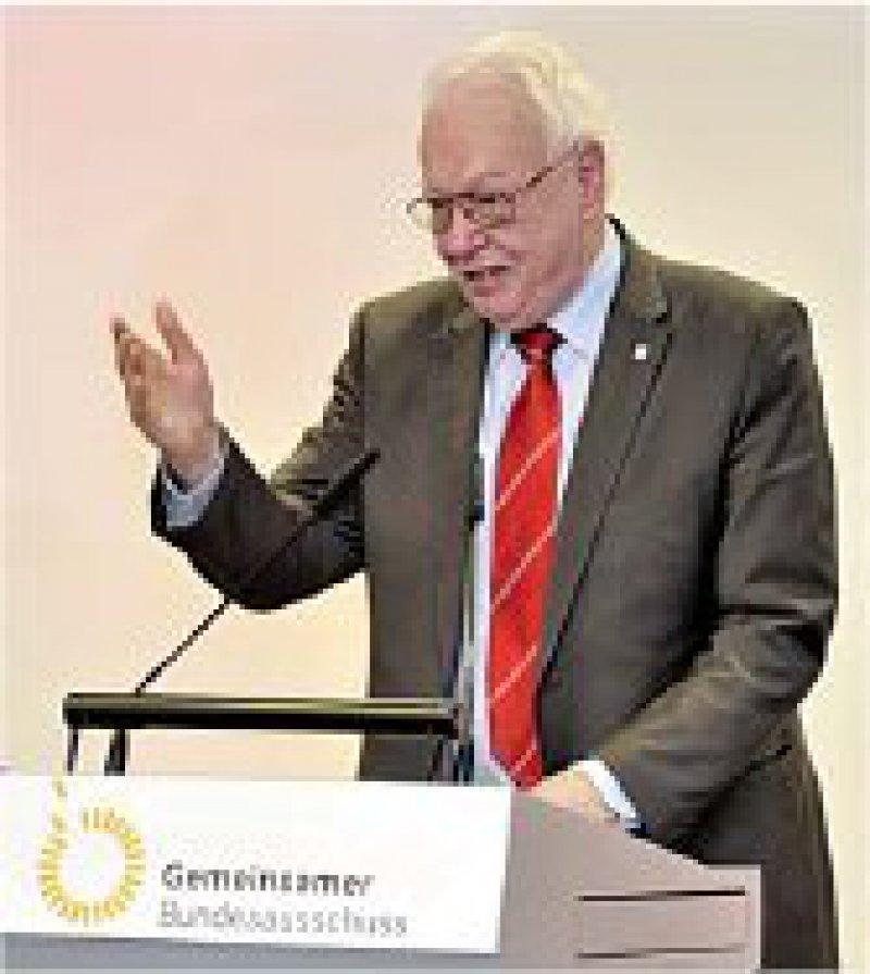 Ideale Arbeitsbedingungen am neuen Standort konstatierte der Vorsitzende des G-BA, Dr. Rainer Hess, bei der Einweihungsfeier. Fotos: Georg J. Lopata