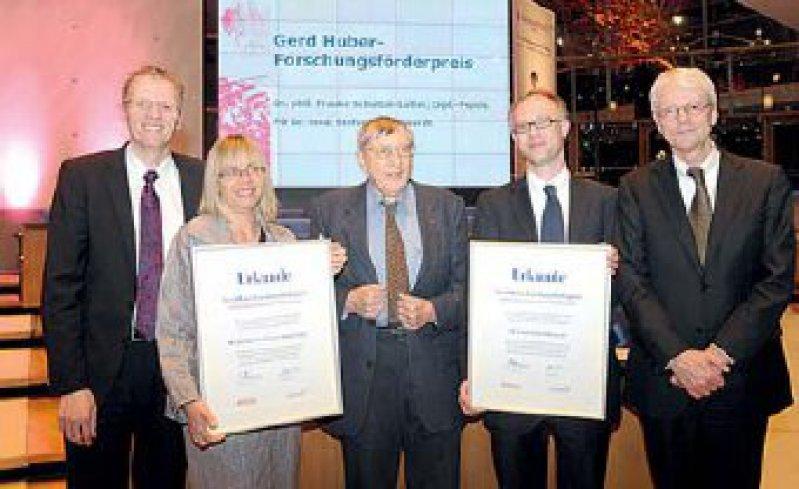 Dirk Greshake, Frauke Schultze-Lutter, Gerd Huber, Stefan Borgwardt, Joachim Klosterkötter (von links). Foto: Astra-Zeneca Deutschland