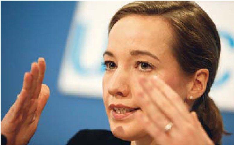 Familienministerin Kristina Schröder will pflegende Angehörige besser unterstützen. Foto: ddp