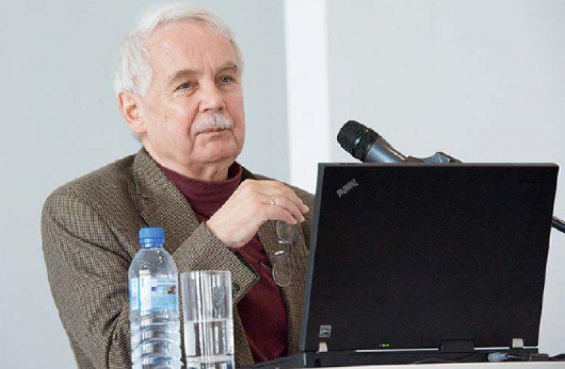 Fehlstart bei der Reform – Peter Kruckenberg kritisiert die schlechte Umsetzung ambulanter Versorgungsstrukturen im neuen Abrechnungsschlüssel. Foto: Forum für Gesundheitswirtschaft e.V.