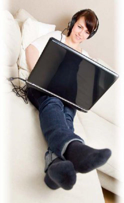 Entspannt und selbstbestimmt zu Hause lernen –mit E-Learning ist das möglich. Foto: Fotolia