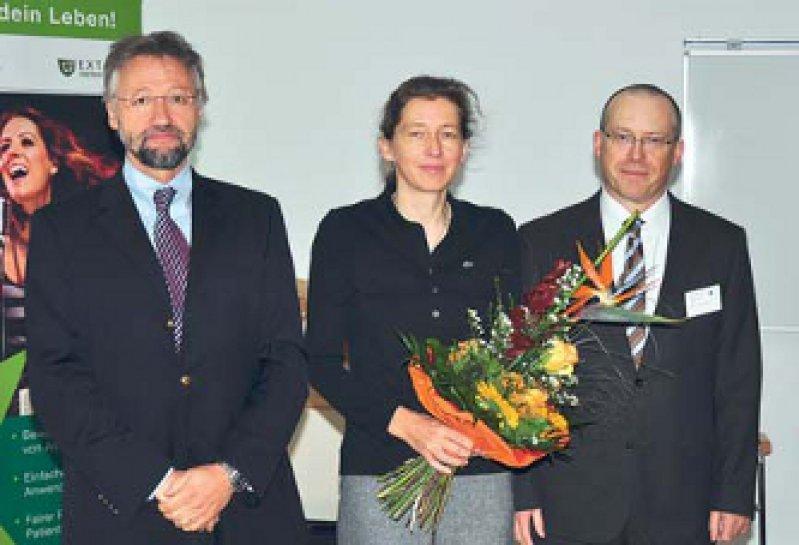 Hans-Jochen Heinze, Manuela Claudia Neumann und Stefan Vielhaber (von links). Foto: Uniklinikum Magdeburg – Neurologie