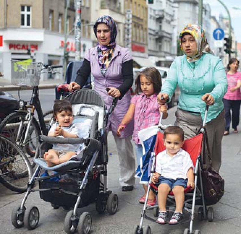 Der Informationsbedarf bei Migrantinnen zum Thema Familienplanung ist laut der BZgA-Umfrage hoch. Foto: Caro