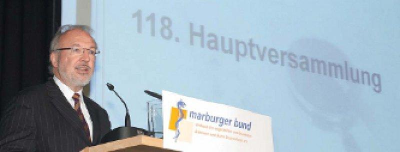 Für weitere drei Jahre an der Spitze: Ohne die Ärztetarife des Marburger Bundes gäbe es noch mehr unbesetzte Stellen in den Kliniken, betonte Rudolf Henke, Vorsitzender der Ärztegewerkschaft. Foto: Gustav Butenhoff