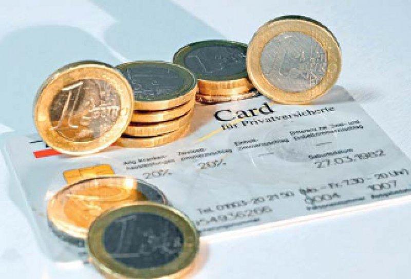 Auch bei den privaten Versicherungen steigen die Ausgaben stärker als die Einnahmen. Foto: dpa